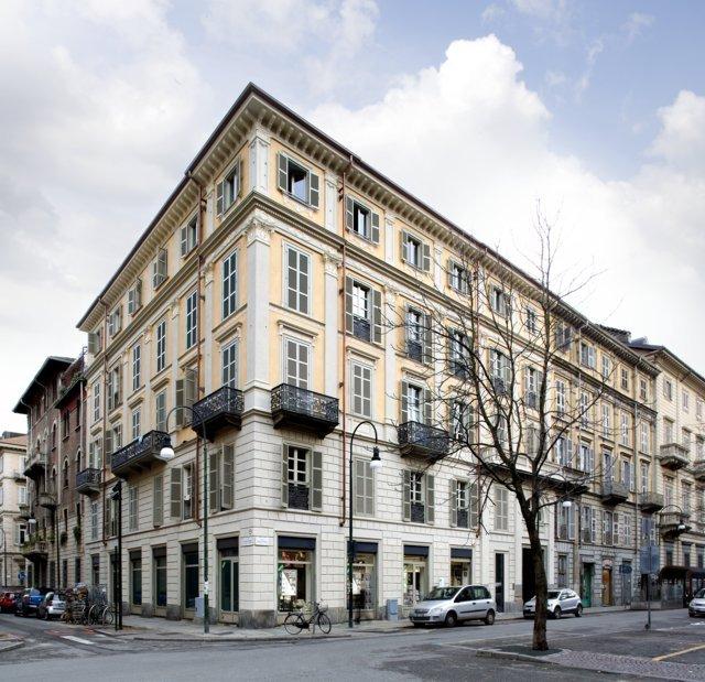 Abitare: DAP studio, a residence in Turin